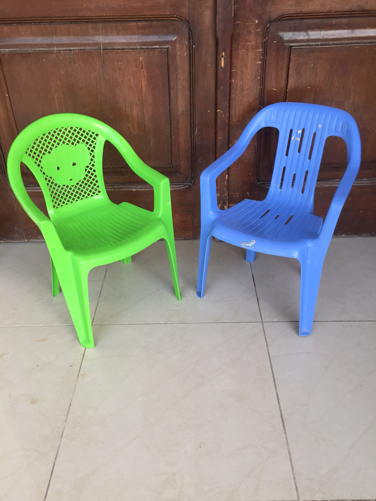 2 kids chair for sale