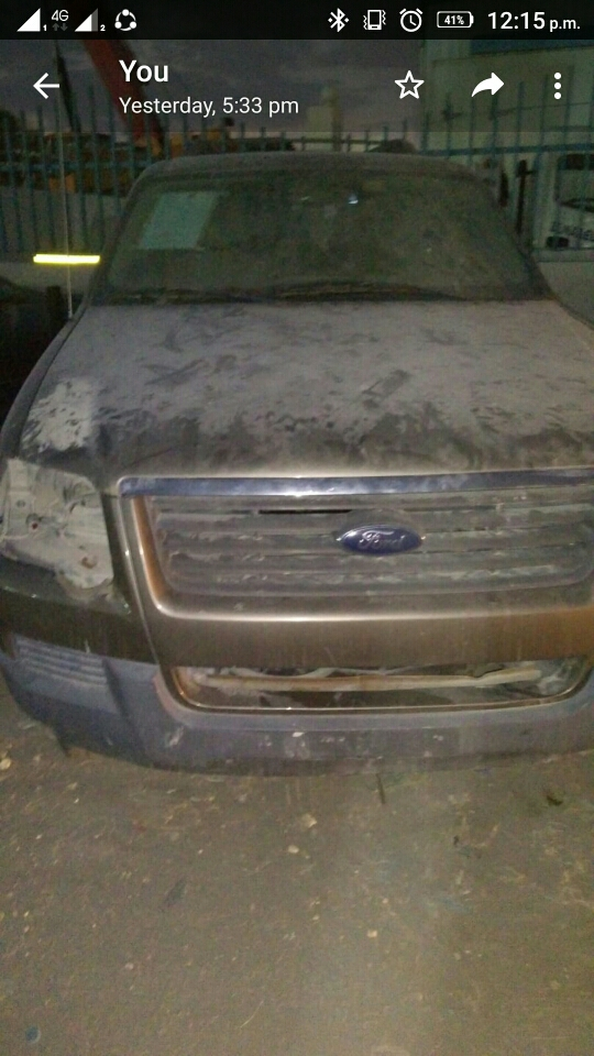 ford explorer  scrap spare avalible