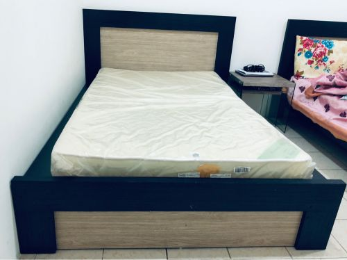 160*200 bed with mattress