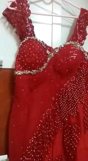 red night prom with diamonds beads