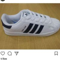 on hand 40 size adidas super star