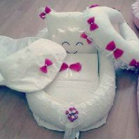 newborn clothes . flowers