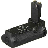 New! Canon BG-E11 Battery Grip for 5D