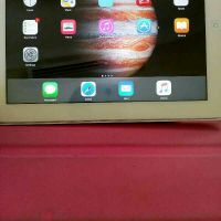 iPad 3 32gb with 2 covers
