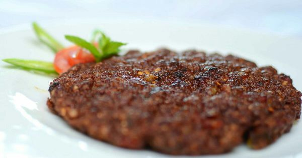 Pakistani traditional Chapli Kabab