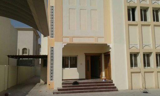 commercial villa for rent in Izhgawa