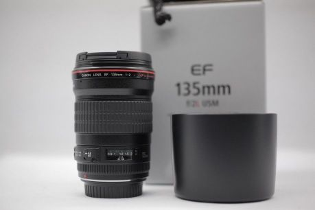 Canon 135mm f2 like new