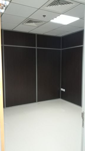 1 Room office with Facilities.