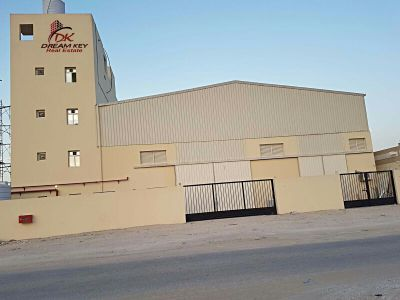 big store for rent in industrial Area