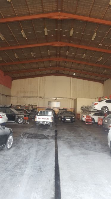 garage for rent at industrial area.