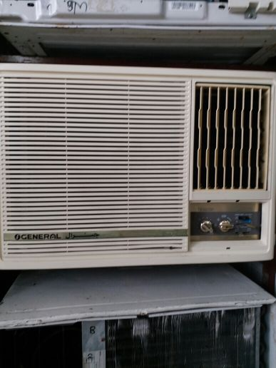 WINDOW AC FOR SALE PLEASE CALL 66126723