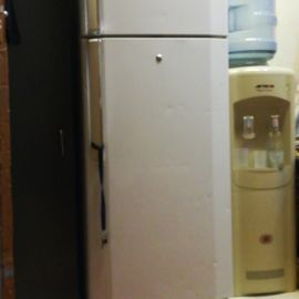 sell lg fridge in good condition