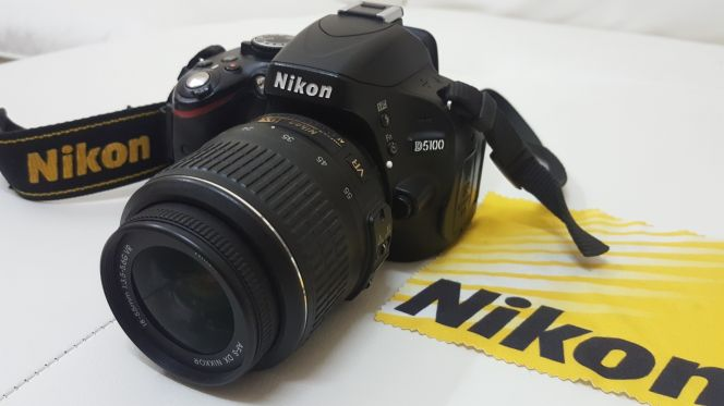 Nikon D5100 Dslr professional camera