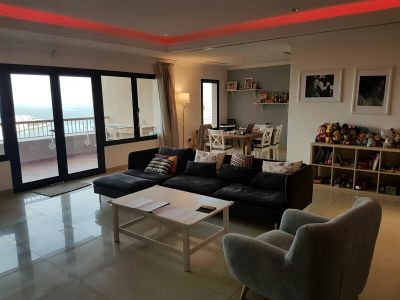 3bhk & maid in Tower 14 for rent !