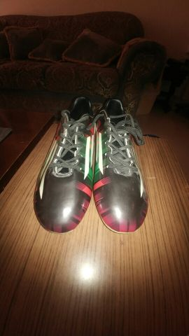 football shoes size 42 eur