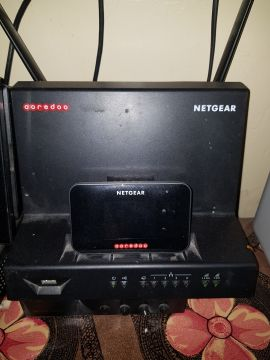 NEATGEAR 810s with Cradle