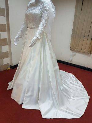 Wedding Dress for  Sale( brand new). Ple