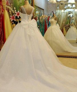 Wedding Dress for Sale(Brand new) . Plea