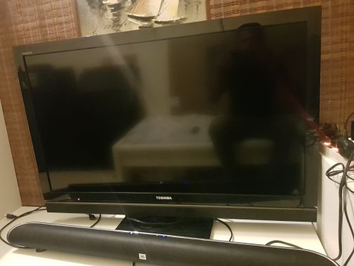 TV TOSHIBA 40 INCH LED FULL HD