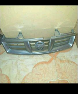 Nissan pickup Grill