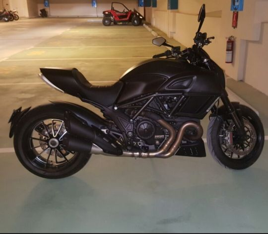 Ducati Diavel Dark 2015