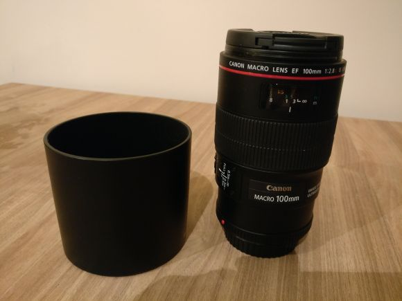 Canon EF 100mm F2.8 IS USM macro lens