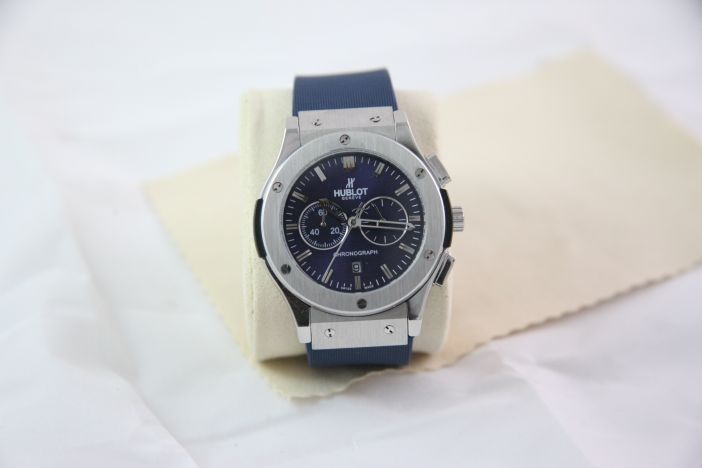 new watch with good price and warranty