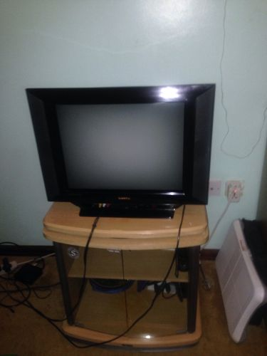 Sanyo tv and table