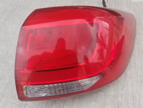 Tail light right