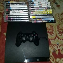 Ps3 with Controller & move controllers