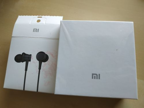 Xiaomi Car Charger and Earphones