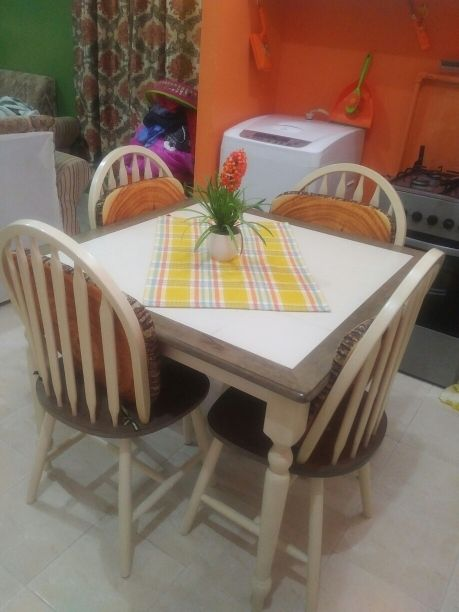 dinner table  urgent for sale