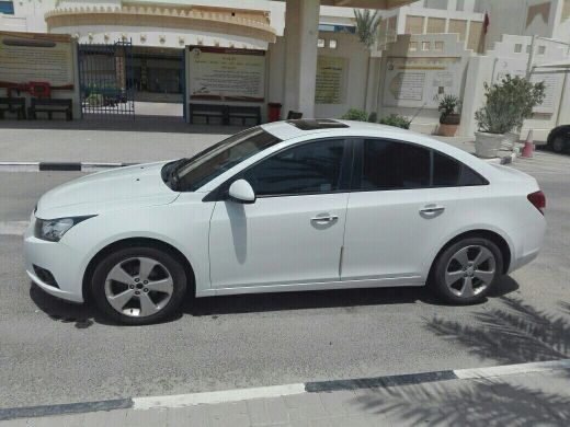 Cruze ((21000 Kms only)) New car feeling
