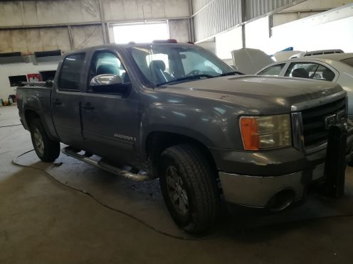 GMC  sierra 2009 parts available