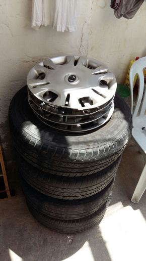 Corolla tyres185/70R14 with Ring for sal