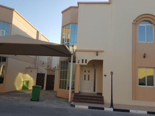 Semi furnish villa in Muraikh F.Rent