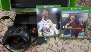 xbox one for sale with fifa18or pes,,,,,