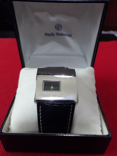 women watch Paola tomasini  for sale