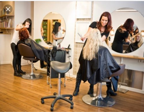 3 beauty Saloon workers wanted