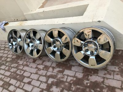 4 rims size 20 for sell