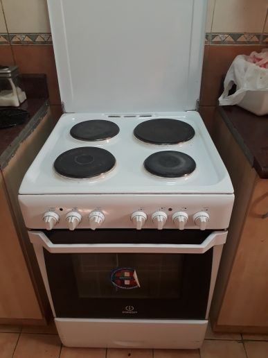 Electric oven make indiset