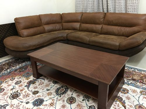 Very good Sofa with table