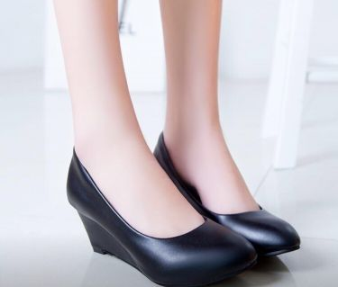 New girl shoes available