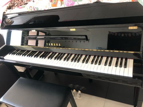 100% new piano for sale