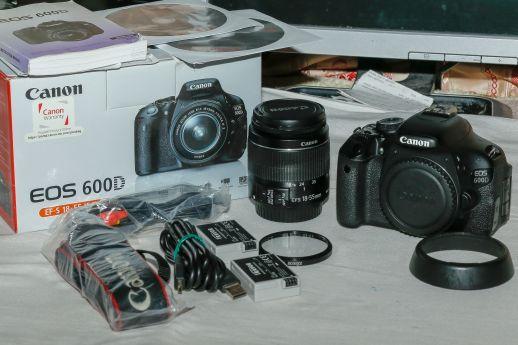 Canon 600d with 18_55 lens and all acces