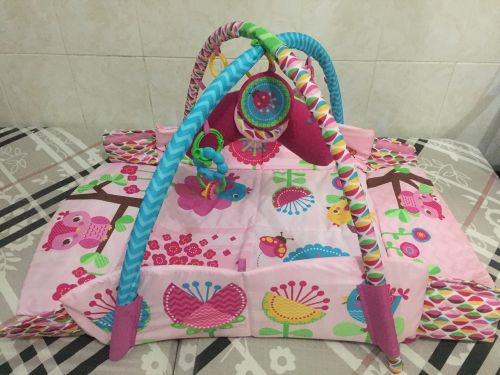 Baby playing bed New