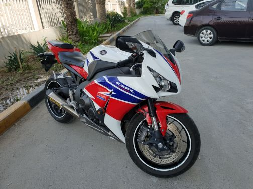 CBR 1000 HONDA MOTORCICLE FOR SALE