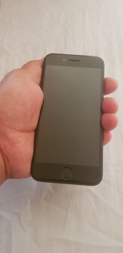 Iphone 7 (128 gb ) for sale Qr :1400/-