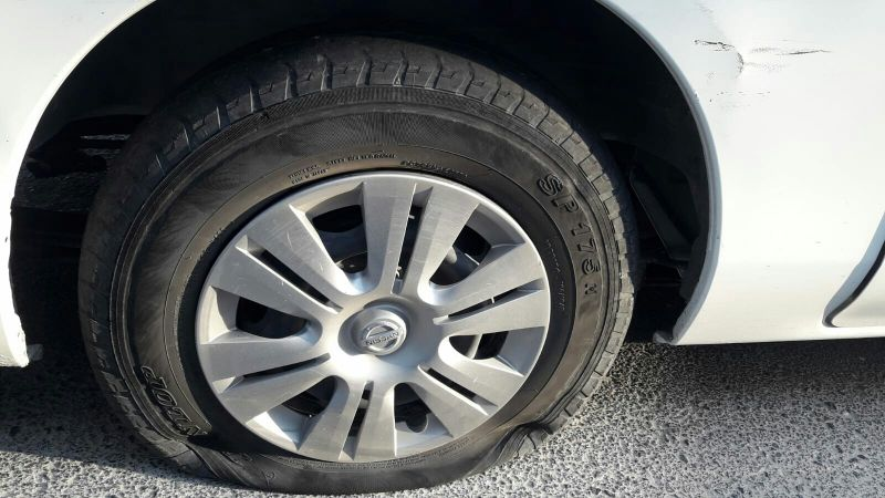 Tyre Mobile puncture service.50621568