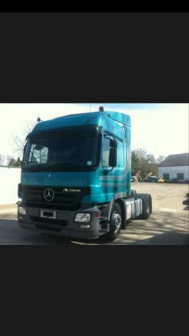 looking for truck mercedes 2003 model